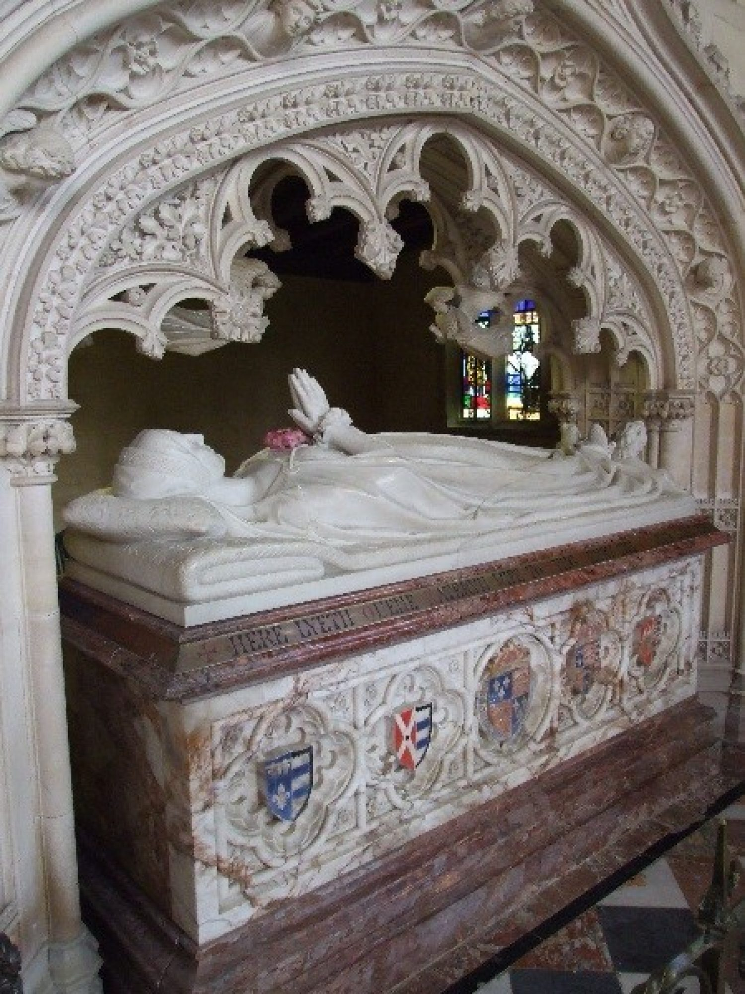 Photo of the resting place of Katherine Parr