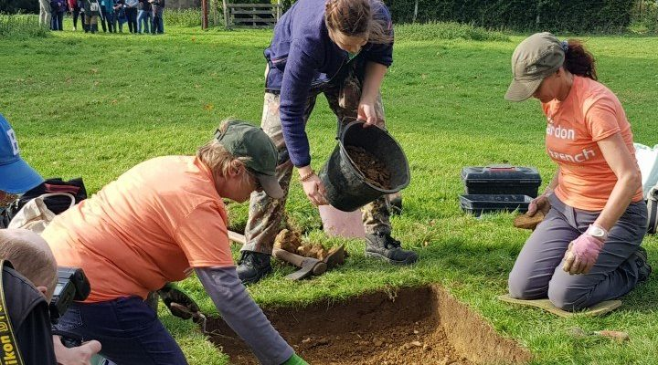 Tudor Garden Archaeological Dig with DigVentures
