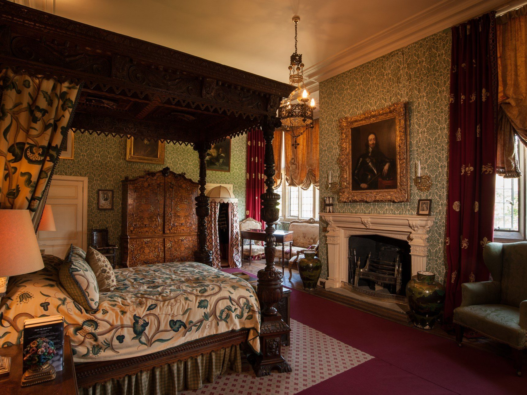 The Chandos Bedroom showing the bed rumoured to have been slept in by Charles I