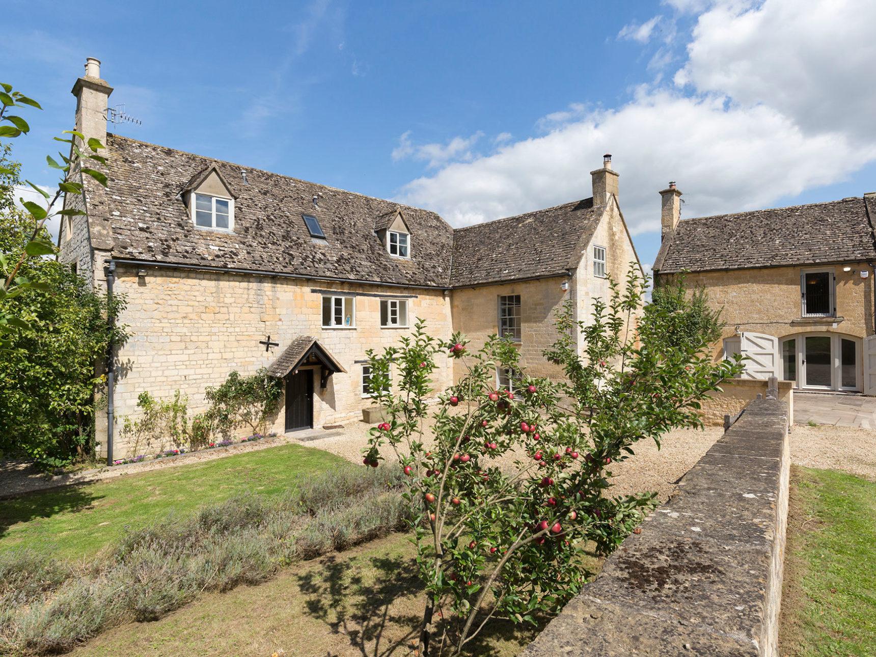 Almsbury Farmhouse exterior shot